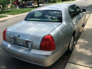 2005 Lincoln Town Signature less cert cost
