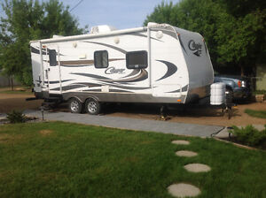 Wanted Cougar 21 or 19 Travel Trailer