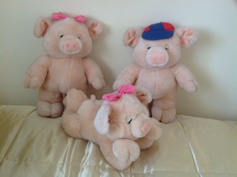 Three large pigs REDUCED