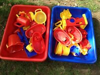 Sand and water play set X 2