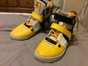 Kids size 5-6 high top shoes