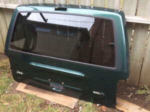 1997-2001 JEEP CHEROKEE XJ METAL TAILGATE  SHELL USED GOOD CONDT Cambridge Kitchener Area image 1
