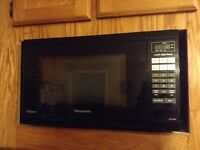 Panasonic Microwave - 1.2 cu.ft.