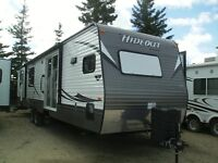 New 2015 Hideout 2 bedroom 38FKDS