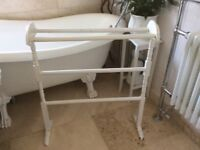 Vintage Shabby Chic Wooden Towel Rail/Stand