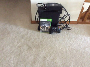 XBOX 300 and 1 game HALO REAGH