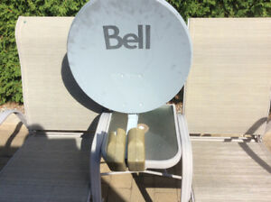 Bell satellite dish  asking $20   Call 819-617