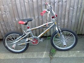 Maxima cobra Chrome BMX with 360° bars and stunt pegs