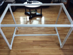 Quilting floor frame