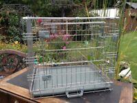 Folding metal pet crate