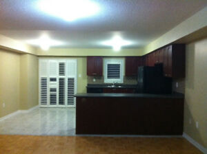 House for rent at central of Mississauga 4+1 Bedrooms,