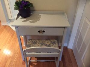 table console ou sejour- banc inclus . chalk paint