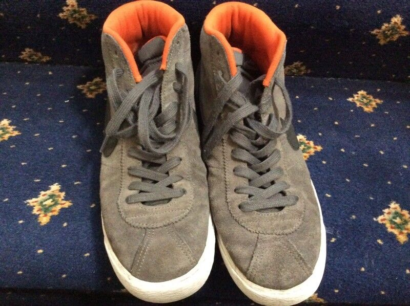 MENS NIKE BOOTS SIZE 9.5