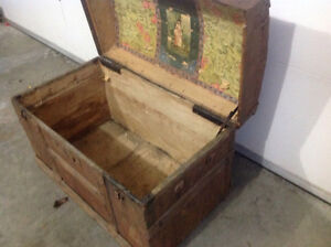 Old Chest Cornwall Ontario image 3