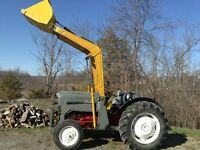 Ford Jubilee 800 series with loader