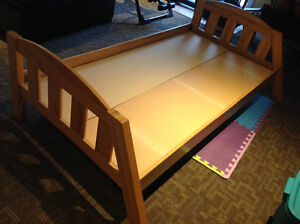 Wooden bed frame - Twin $40