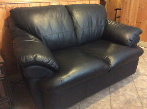 LOVESEAT-LEATHER