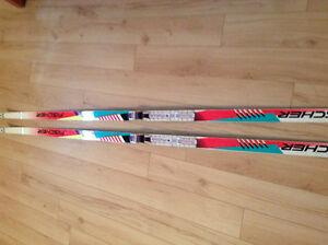Women's Cross Country Skis