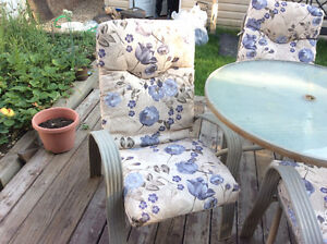 Patio Furniture For Sale- Table, 4 Chairs
