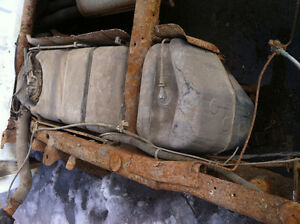 2001 CHEVY PICKUP TANK ET POMPE A GAS / GAS TANK AND PUMP