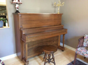Piano droit Weber, antique