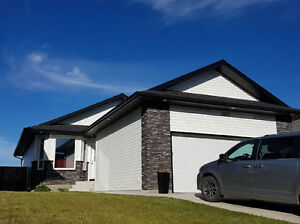 1415 Korol Mews; Fully Dev 5BD Bungalow with BSMT KITCHENETTE!