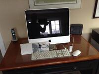 IMac desktop with assessories