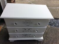 Annie Sloan chest f drawers