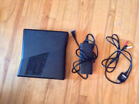 XBOX 360, 2 controllers,2 headsets, 6 games