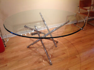 Table by famous designer Theodore Waddell 52. Inch