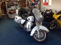 Harley Davidson Ultra Classic Electra Glide, in Harley white only 15,000 miles