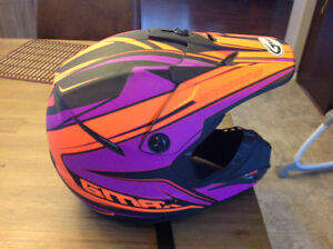 GMAX Helmet Large Young and Medium adult