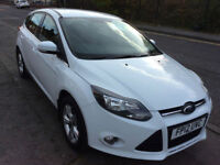 FORD FOCUS 1.6 ZETEC 5 DOOR HATCH PETROL ALLOY WHEELS IN ARTIC WHITE 2012-12