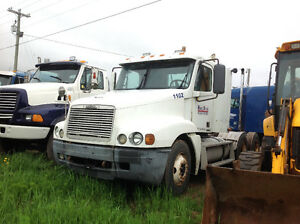 Freightliner tractor 5500.00. REDUCED