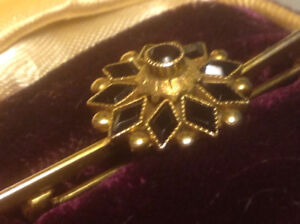 Antique Victorian 1800s MOURNING 10k Yellow Gold BROOCH