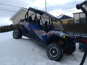 Polaris RZR 800, 4 places
