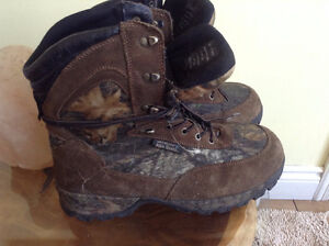 Nearly new 'Wild Wolf' waterproof/insulated camou boot