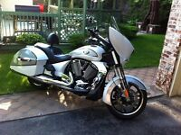 victory cross country,harley street glide,road glide