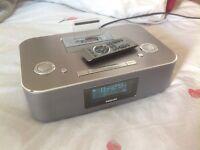 Philips radio alarm & iPhone dock