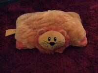 Kids lion Hugga cushion pillow bed car