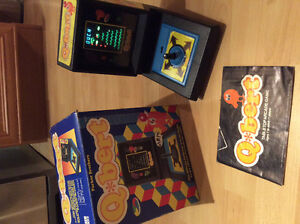 Vintage Rare 1983 Parker Brothers QBERT TableTop Arcade Game/Box