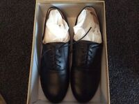 Louboutin Rollerball Lace up Shoes (Red bottoms) Size 9 Black