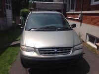 1997 Plymouth Grand Voyager Adapte Fourgonnette, fourgon