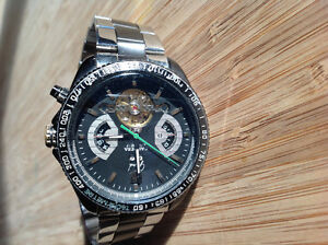 Tgheuer grand carrera pour homme ,,,,,,, 100$