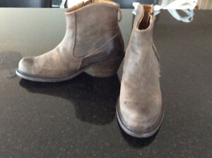 BRAND New without tags John Fluevog Leather Boots
