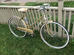 Vintage 3 speed bicycle in decent condition.