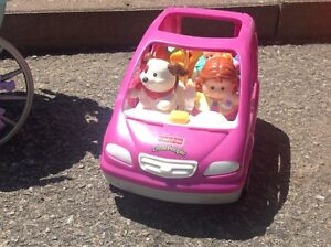 Voiture familiale Fisher Price Little people