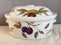 Royal Worcester fine porcelain Evesham Casserole with lid