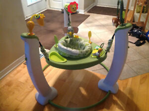 Evenflow exersaucer ( jumper) Sauteuse á exercice Evenflo