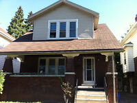 sweet home for rent, 2 block from U of W